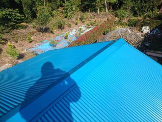 鮮やかな青のガルバ波板