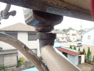 補修前の雨樋
