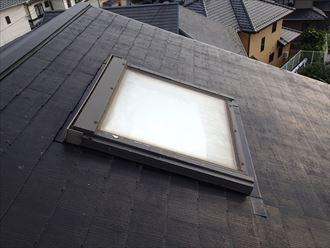千葉市稲毛区|大型天窓撤去と既存化粧スレートからコロニアルクワッドへの部分葺き替え工事、施工前写真