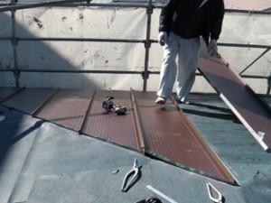 アールロックを使った屋根葺き替え工事