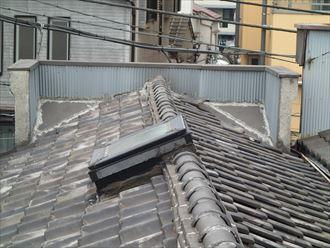 葺き替え前の瓦屋根