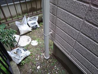 浦安市 液状化の影響?雨樋の詰まり解消工事を行いました、施工前写真