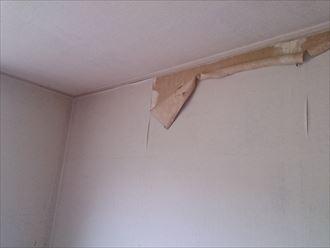 部屋,雨漏り,クロス,剥がれ