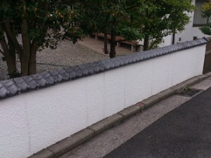 仏閣の塀の工事