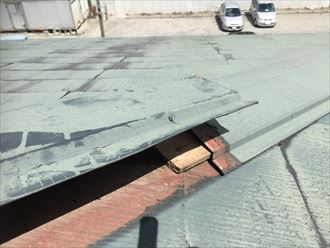 棟板金,既存,スレート,屋根,貫板腐食