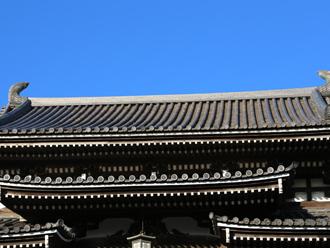 お寺の瓦屋根