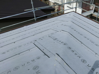 葛飾区 屋根カバー工法 防水紙設置