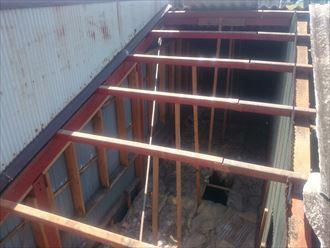 屋根材,鉄筋