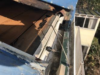 瓦棒屋根めくれ野地板に隙間