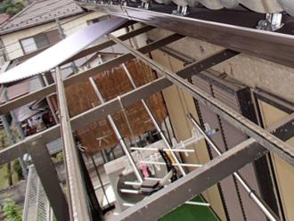 ベランダ屋根破損