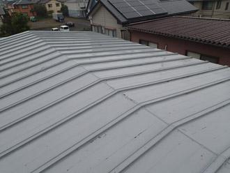 瓦棒の金属屋根