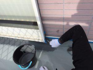 防水塗料を立ち上がり部に塗布
