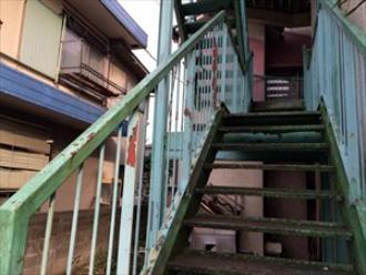 外階段の塗膜の剥がれ