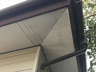 八街市|軒天張替塗装補修で外観を見栄え良く復旧!、施工前写真