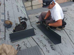 屋根カバー工法 屋根材設置