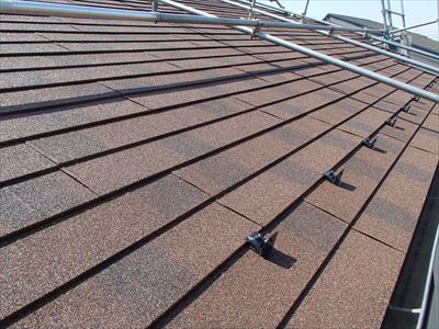 袖ヶ浦市|自然石粒ジンカリウム鋼板のディプロマットで屋根カバー工法、施工後写真