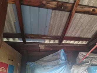 室内からの屋根