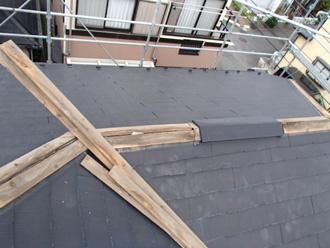 川崎市川崎区 木製の貫板が傷んできている