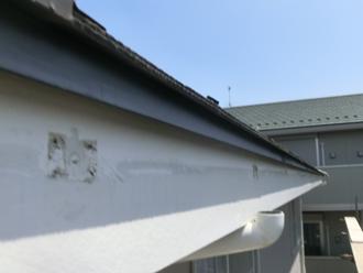 川崎市幸区 雨樋交換と落ち葉除けネット設置 雨樋撤去