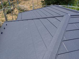 君津市で、初回の屋根リフォームは屋根カバー工法、2回目は屋根葺き替え、施工後写真