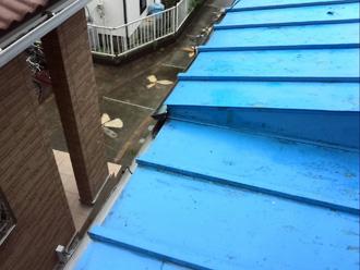 横浜市神奈川区 下屋の屋根が傷んでいる