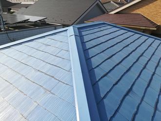 相模原市中央区 屋根塗装前は塗膜が劣化して変色している