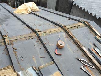 瓦棒葺き替え工事
