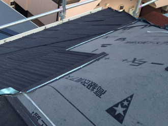 横浜市港北区 エコグラーニで屋根カバー工法