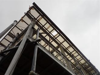 物干しスペースの屋根点検