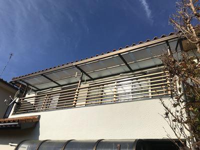 市原市で台風によりバルコニーの波板屋根が飛散、新たにポリカ波板を設置、施工後写真