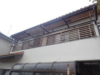 市原市で台風によりバルコニーの波板屋根が飛散、新たにポリカ波板を設置、施工前写真