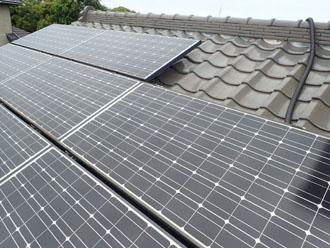 大屋根には太陽光