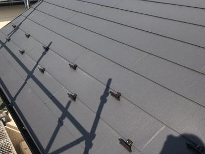 スーパーガルテクトで屋根カバーされた屋根