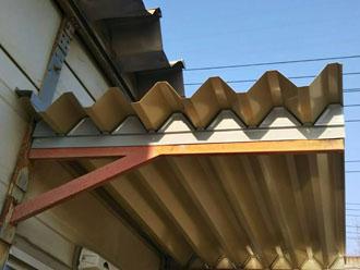 折板屋根の取り付け