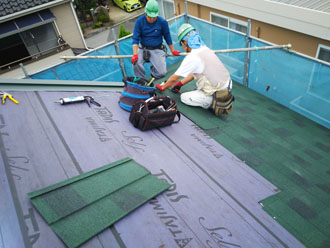 ジンカリウム鋼板の屋根