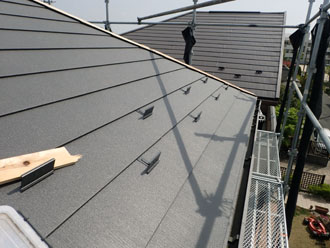 平場への屋根カバー工事完了