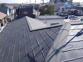 屋根全体に広がる不具合