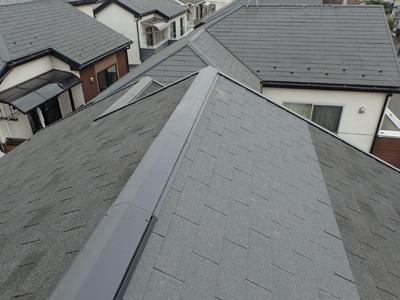 部分的に葺き替えたアスファルトシングルの屋根