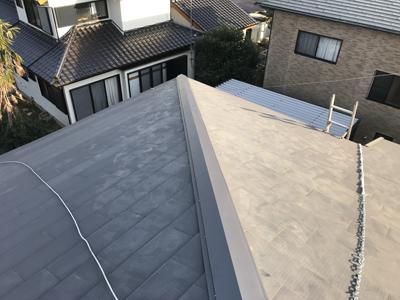 棟板金交換後の金属屋根