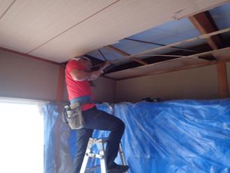 これまでの天井を解体