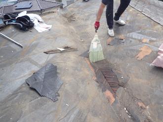 屋根を清掃
