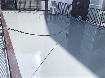 通気緩衝工法を用いたウレタン塗膜防水工事