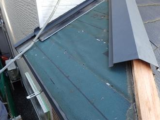 昭島市福島町 下屋の屋根葺き替え工事 防水紙設置