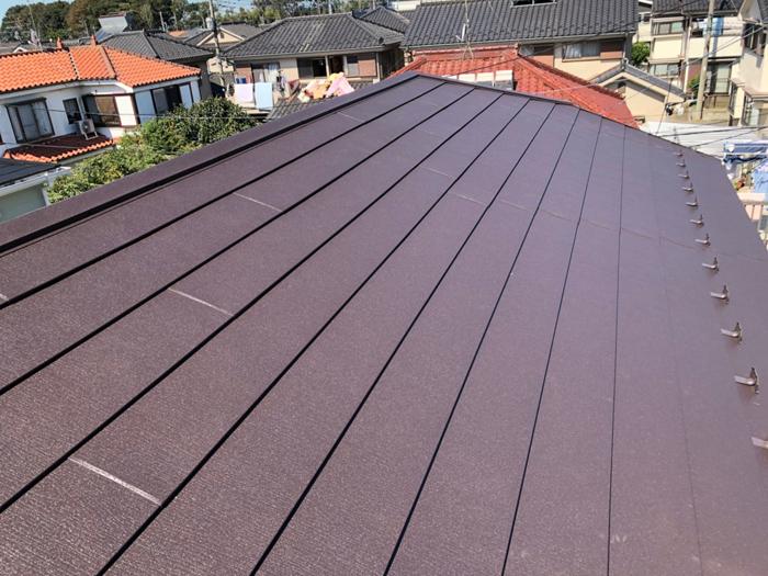 綾瀬市深谷上 屋根カバー工法 スーパーガルテクト設置完了