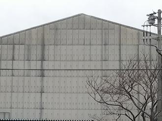 大波スレートの倉庫