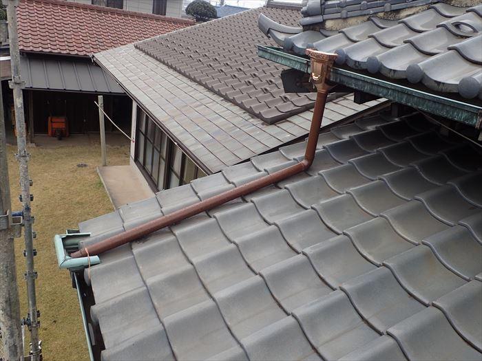 秦野市菩提で雨樋の破損点検