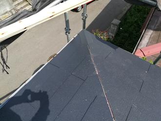 屋根材を葺き終わったところ