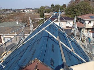 防水紙を施した屋根