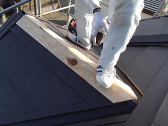 棟板金用の貫板の設置