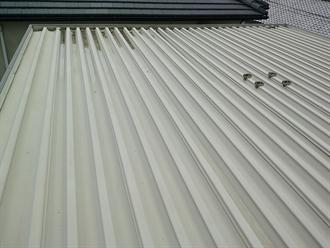 横芝光町屋形で折板屋根からの雨漏り